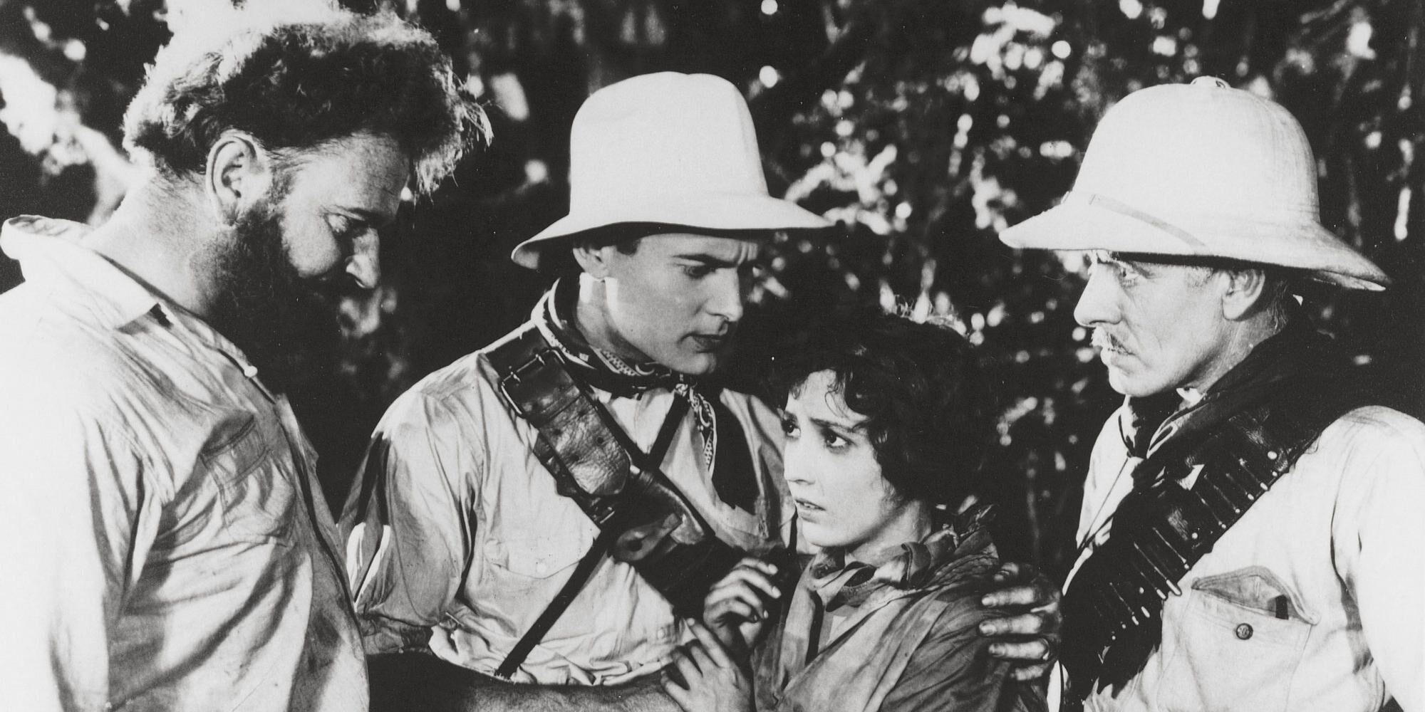P05088 Original Film Title: THE LOST WORLD.  English Title: THE LOST WORLD.  Film Director: HARRY HOYT.  Year: 1925.  Stars: LEWIS STONE; BESSIE LOVE. Credit: FIRST NATIONAL / Album